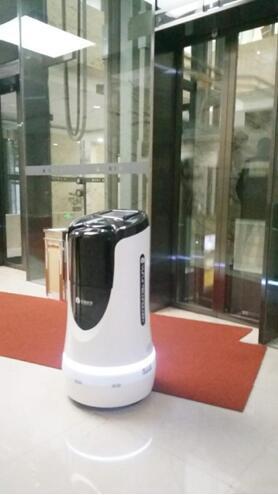 """雲跡科技推出""""機器人電梯物聯模塊"""",讓電梯更懂機器人"""
