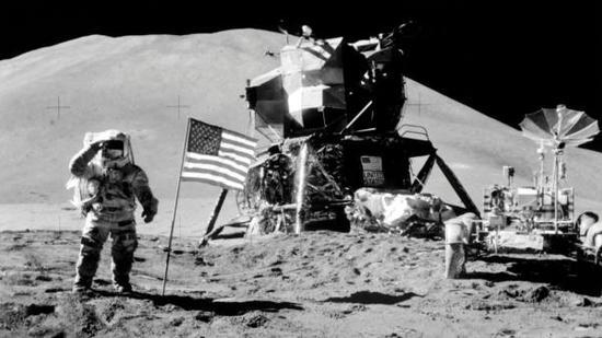 特朗普簽署太空政策指令,宣布美國宇航員將重返月球前往火星