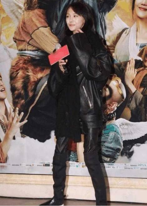 7大养眼穿皮裤,热巴超女星,郑爽惨不忍睹,最后英语说性感衣服怎么的图片