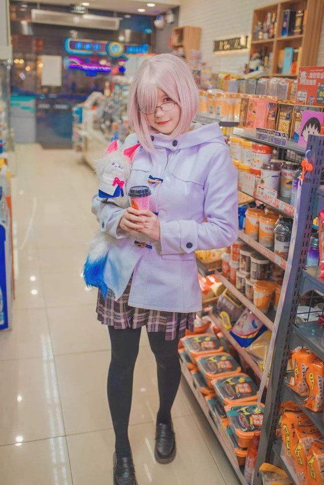 玛修基列莱特cosplay戴眼镜的漂亮女孩,美不2016晋江市初中质检年图片