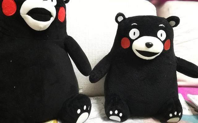 黑色的熊也很搞笑,拥抱网络表情--熊本熊公仔图风靡可爱动图片