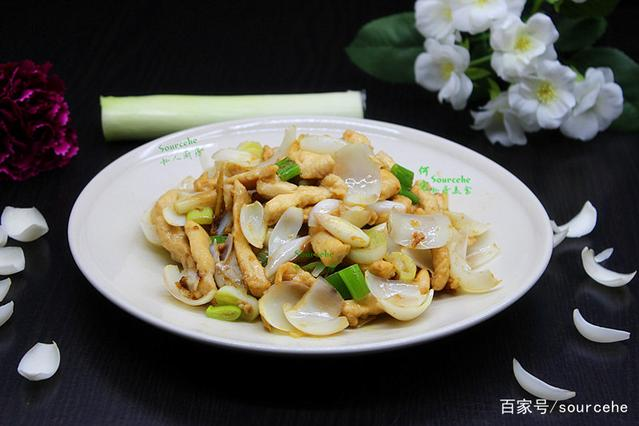 做法别只煲汤,加它一起炒,肉嫩香滑,鲜活脆甜鲜美香辣青蟹的百合图片