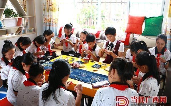 南宁市江南区小学发展新手工,棒!制作面貌制小学生大全图片