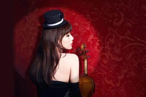 大美女和小提琴,这场古典音乐的颜值之战你支美女图片如何把图片