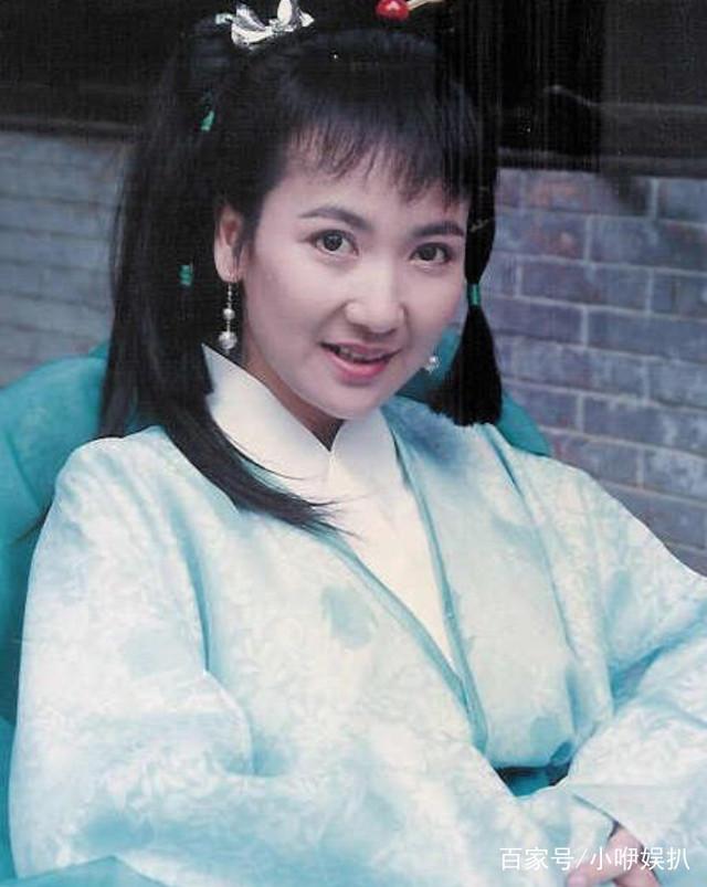 陈美琪人生经历坎坷,却依然能优雅的亮相,网友
