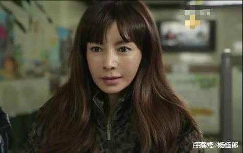 20岁加入KBS,24岁闪婚,25岁出道,55岁仍美成
