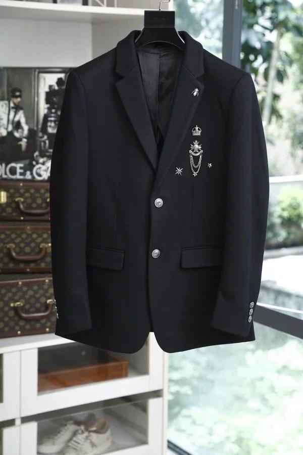 杜嘉班纳,纪梵希衬衫,黑白拼色设计呈现不一样