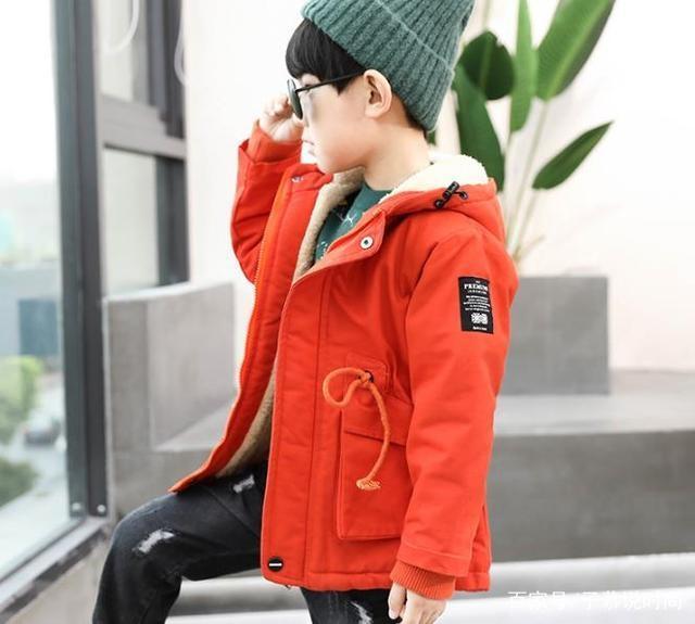 穿搭指南:小男孩秋冬季这样穿可以很潮,妈妈们
