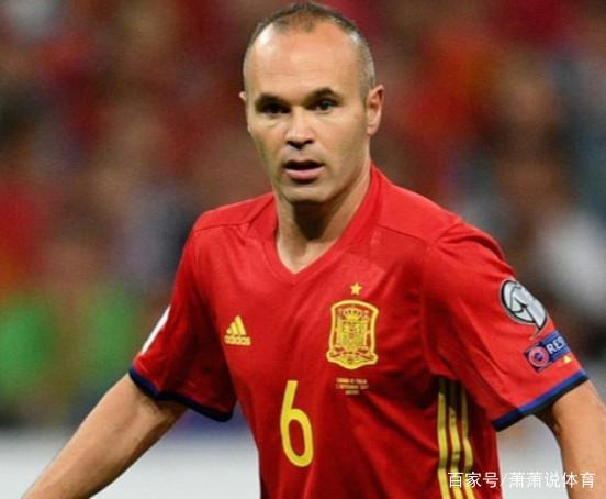 现役无纹身的4位足球巨星,C罗是国足榜样,而他