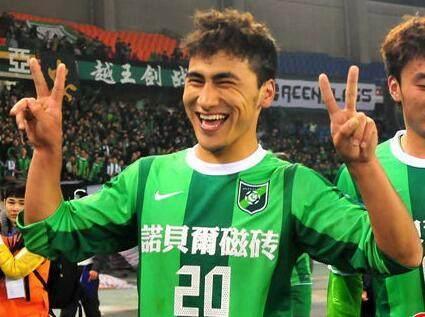 他曾是新疆足球的骄傲天赋不俗 因经纪人错失