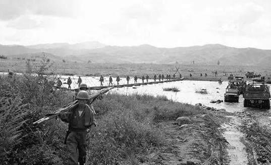 朝鲜战争中南韩溃军为了逃跑居然反歼美国督战