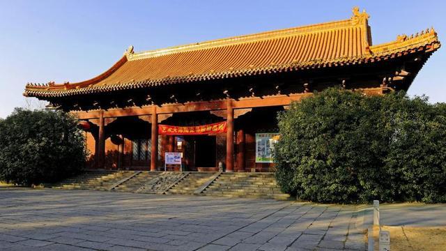南京故宫比北京故宫大30万平方米,极其豪华,如