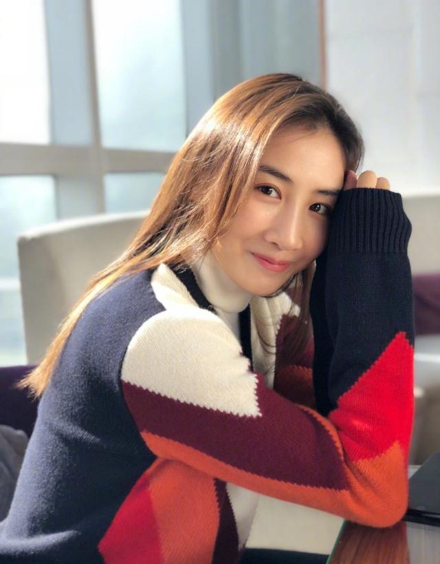 蹦床公主何雯娜现状:没有稳定工作,只能靠商