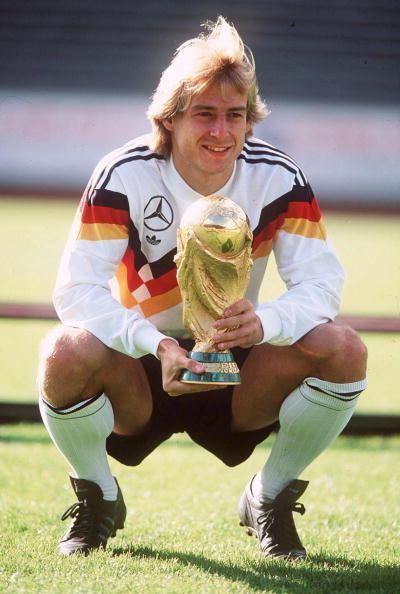 盘点90年代世界足坛的十大顶级前锋,哪些人勾