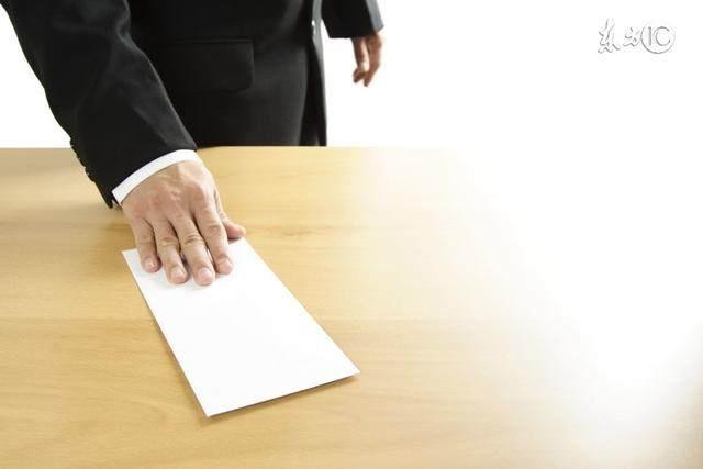 在编教师要不要辞职考公务员?