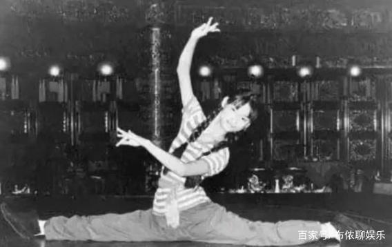 3岁乞讨,12岁当舞女,被章子怡称为神,她的人