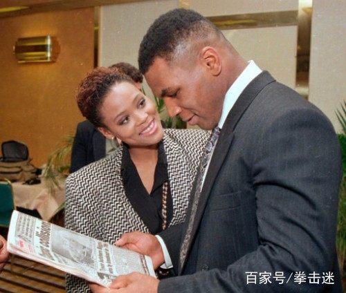 拳王泰森第一任妻子、影视演员罗宾.吉文斯风