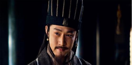 诸葛亮在刘备的三顾茅庐下,初出茅庐的故事经