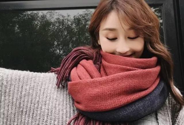 秋冬帽子和围巾这样搭不但保暖 还能让你更加