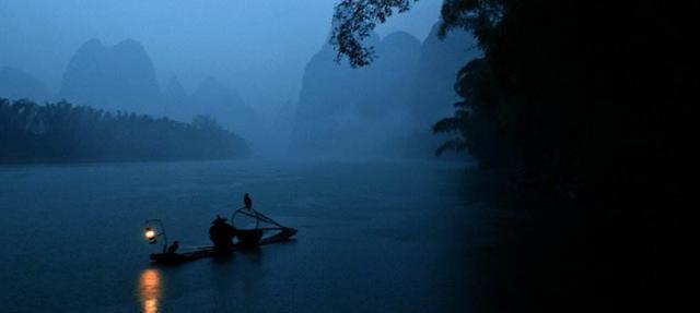 以清风明月伴孤舟为开始续写诗句,您能写几首