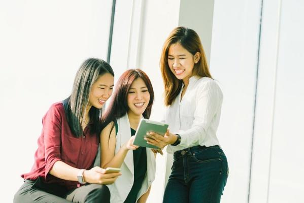 越来越多去泰国工作的中国女孩,她们在泰国都