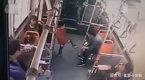 别再骂了,遂宁公车抱摔小孩的男子已经道歉,或