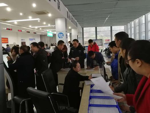 墊江交巡警大隊強化「三措施」提升車管服務水平