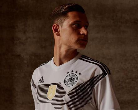 德国队公布世界杯球衣:致敬90年世界冠军经典
