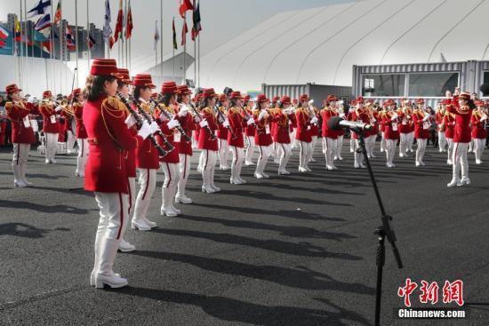 朝鮮藝術團在韓國江陵舉行首演