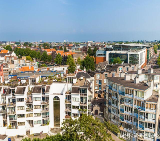 2012年,荷兰华人总人口约为12万人,全境为低地
