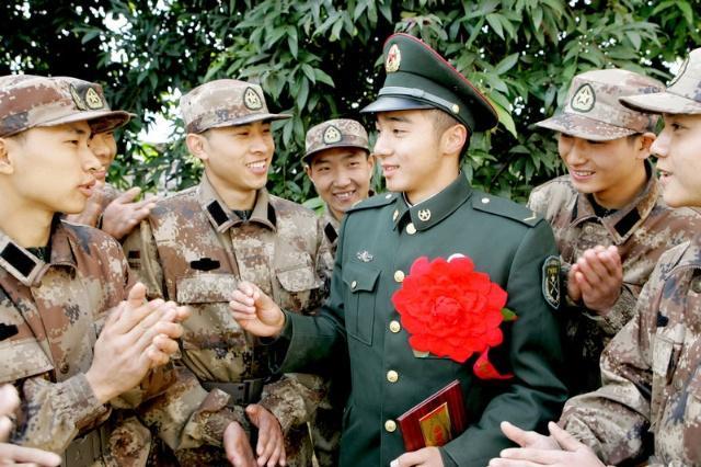 当兵不当副班长,部队中的副班长主要职责是什
