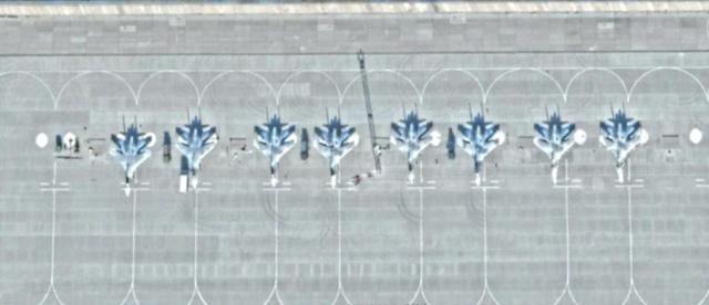 一架不明战机闯入俄境,苏27拦截双方发生缠斗