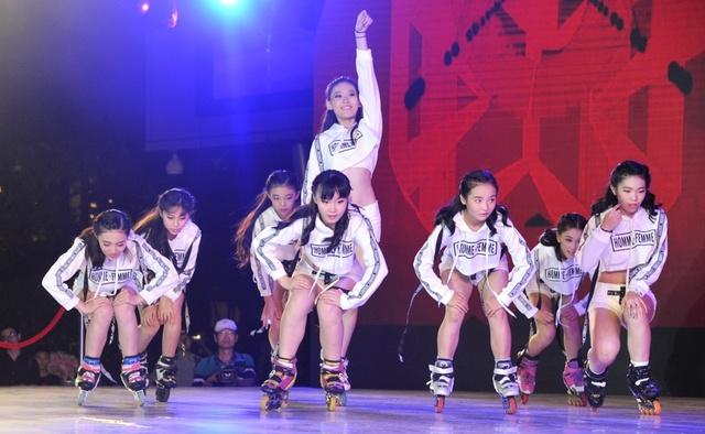 跃 精彩华美的对决 2017上海国际自由式轮滑公
