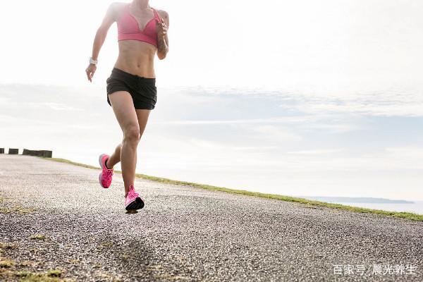 路跑和健身房跑差距到底在哪?健身教练:天壤之