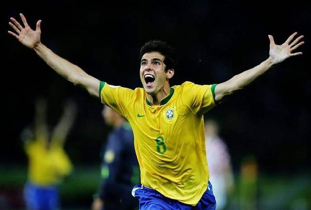 巴西足球队:世界杯史上夺冠最多的足球队,每个