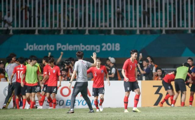 韩国男足亚运会夺冠!孙兴慜免除兵役 国足球迷