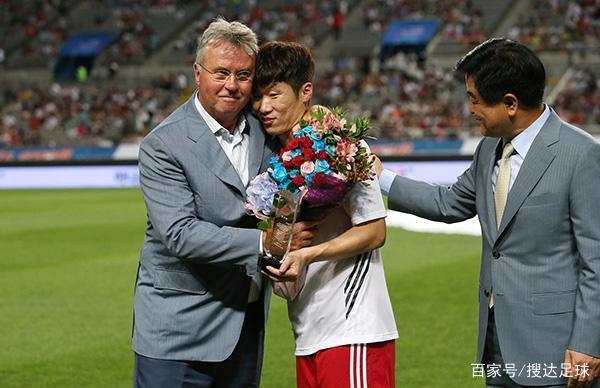 韩国名记:02年世界杯没有靠黑哨,希丁克能帮助