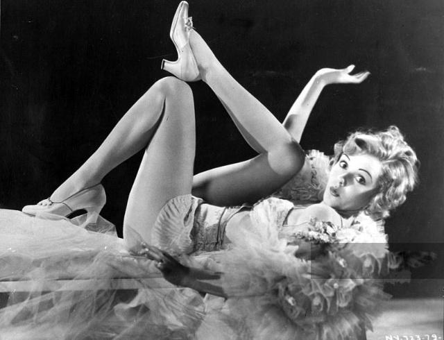 美腿的历史,70年前是怎样选腿模的,有人专门用