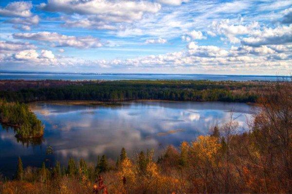 全球上面积较大的前三个湖泊