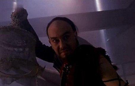 影视剧中5种厉害的冷兵器,《战狼》中吴京的爪