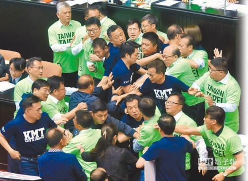 台民調:民眾不滿政黨惡鬥撕裂社會 盼出現第三力量