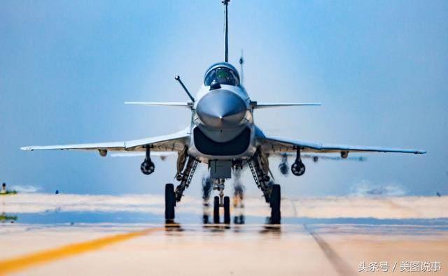 中国歼10战机为何一直未出口?还真不是性能不